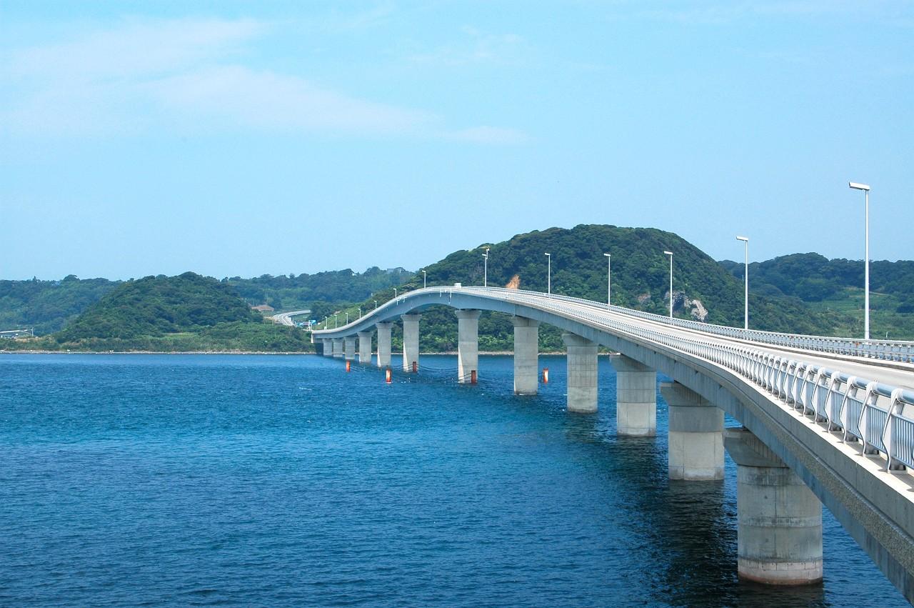 ... 海に映える日本有数の美しき橋 : 日本地図 海 : 日本